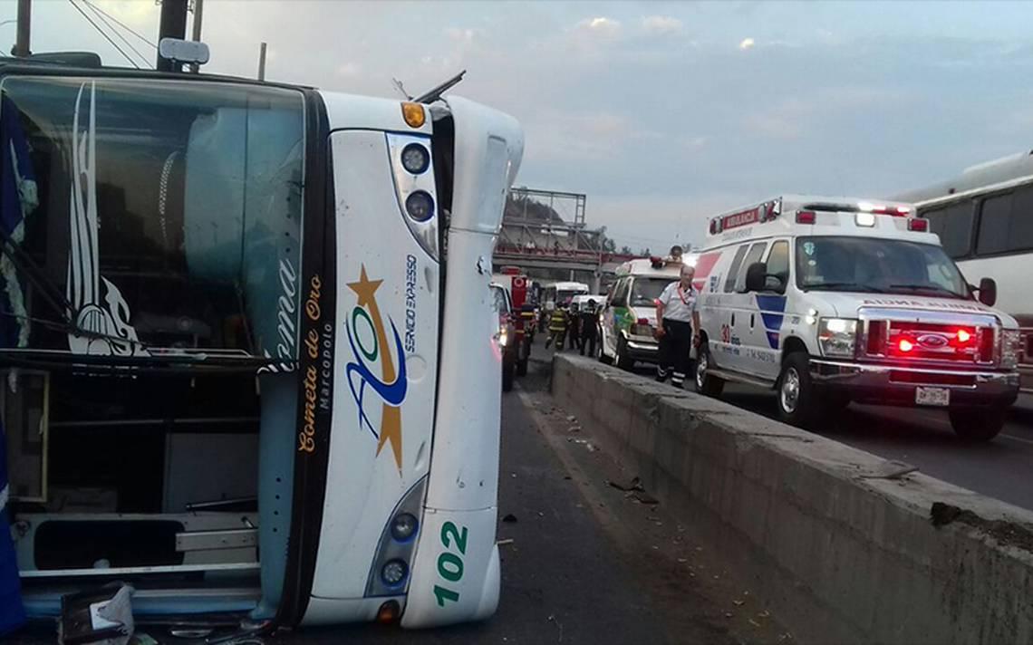 Volcadura de autobús en la México-Pachuca deja al menos 15 heridos