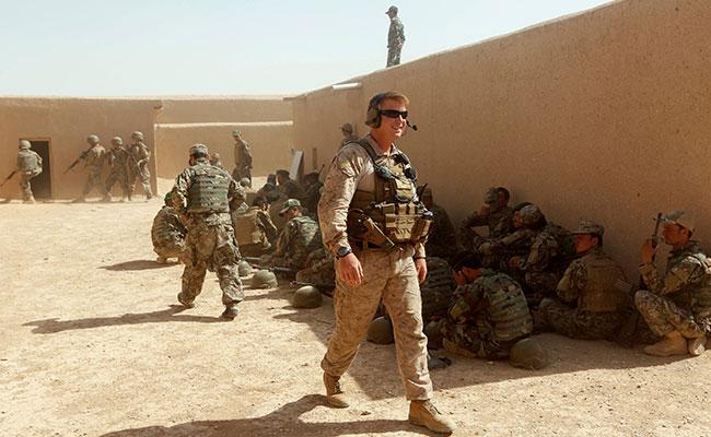 Trump prohíbe que personas transgéneros ingresen al Ejército de EU