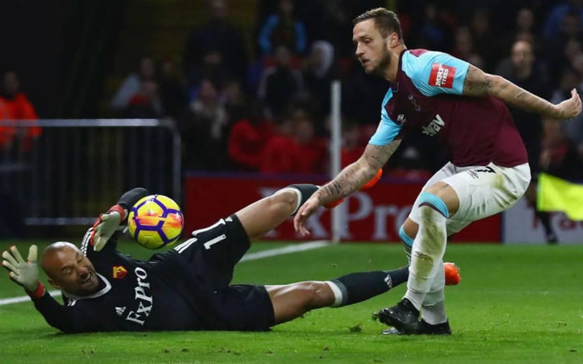Sin 'Chicharito' Hernández, West Ham cae en zona de descenso