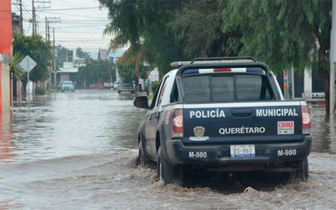 Lluvias deja un muerto, socavones e inundaciones en Querétaro