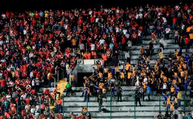 Estadio Luis Pirata Fuente es vetado con un partido tras riña