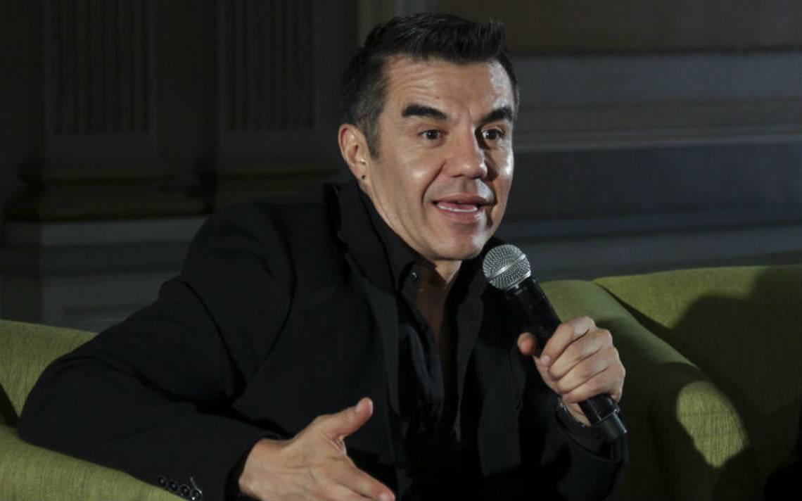 Adrián Uribe regresa al hospital, se encuentra en terapia intensiva