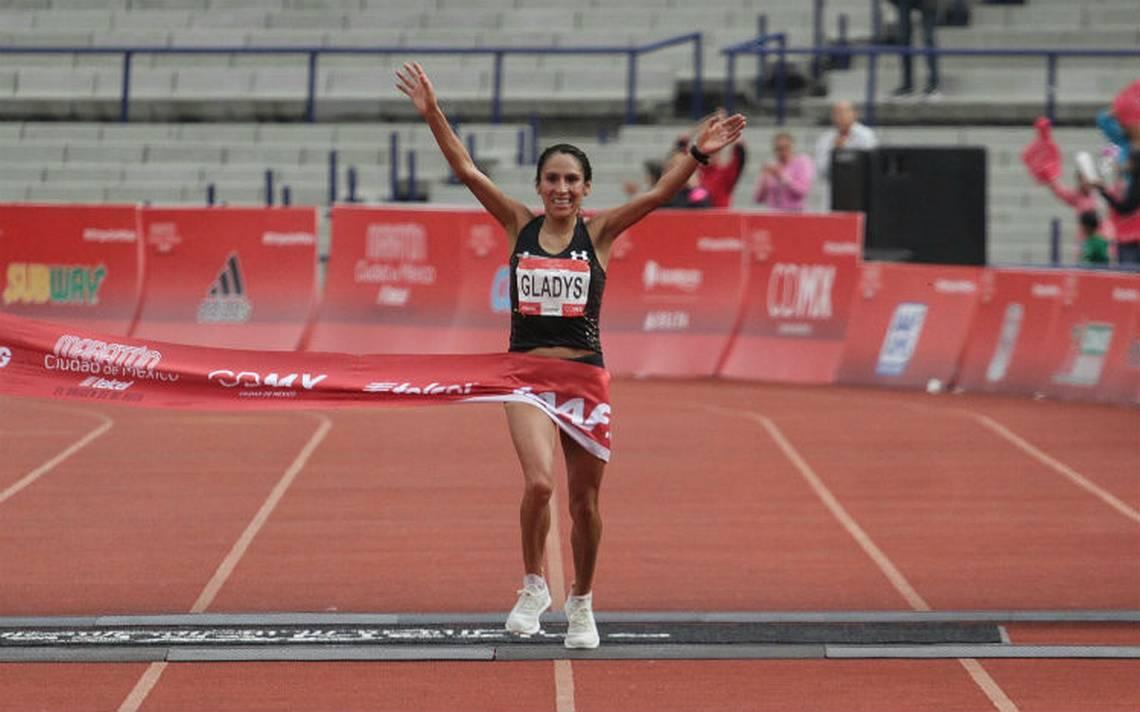 Peruana Gladys Tejeda marca récord en Maratón CDMX