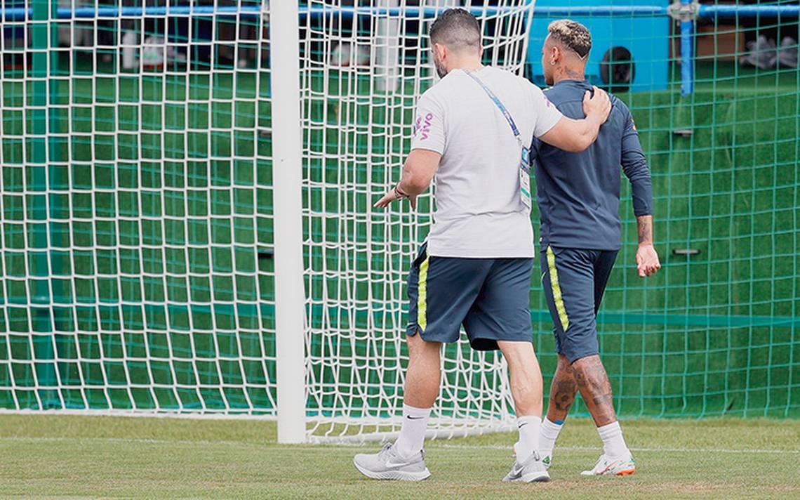 Las alarmas se encienden, Neymar no concluyó el entrenamiento