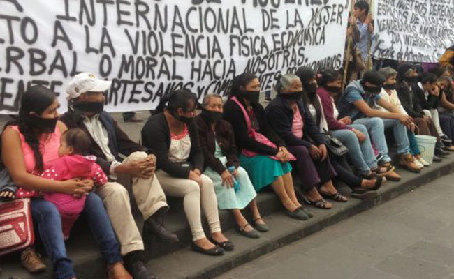 Artesanos de Xalapa exigen alto a la violencia y al racismo