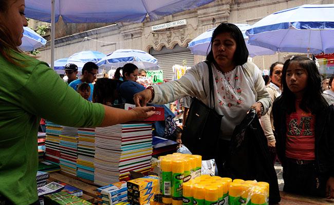 Seis de cada 10 mexicanos buscan ofertas de útiles a través de internet