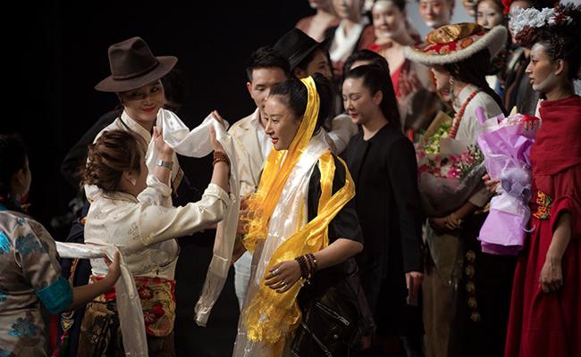 La moda tibetana  llega a Pekín