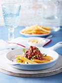 ¡Pruébala! Tarta de carne sobre papas a la francesa