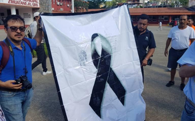 Reporteros piden a alcalde de Zihuatanejo esclarecer asesinato de locutor Gabriel Soriano