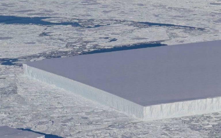 Ni mandado hacer, NASA encuentra un iceberg perfectamente rectangular