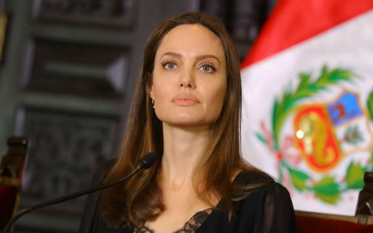 """Acusan que Angelina Jolie es agente de la CIA y además una """"actriz engañadora"""""""