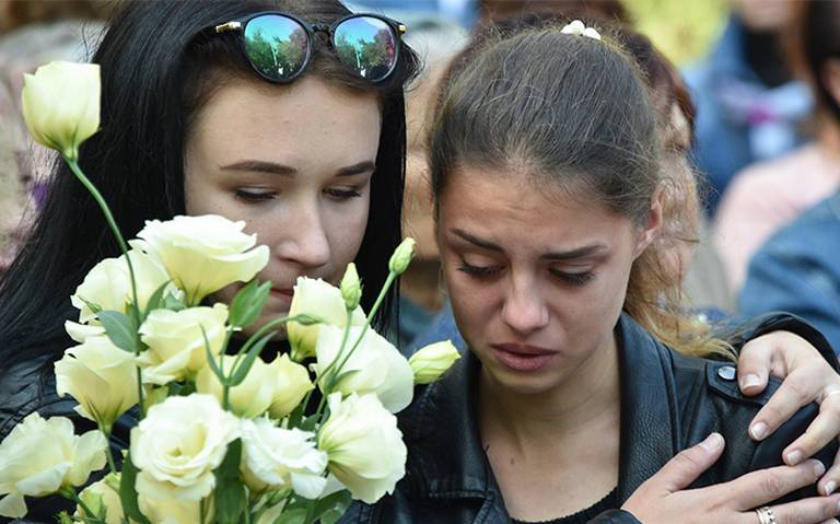 Guardan luto por víctimas de atentado en Crimea; sube a 20 la cifra de muertos