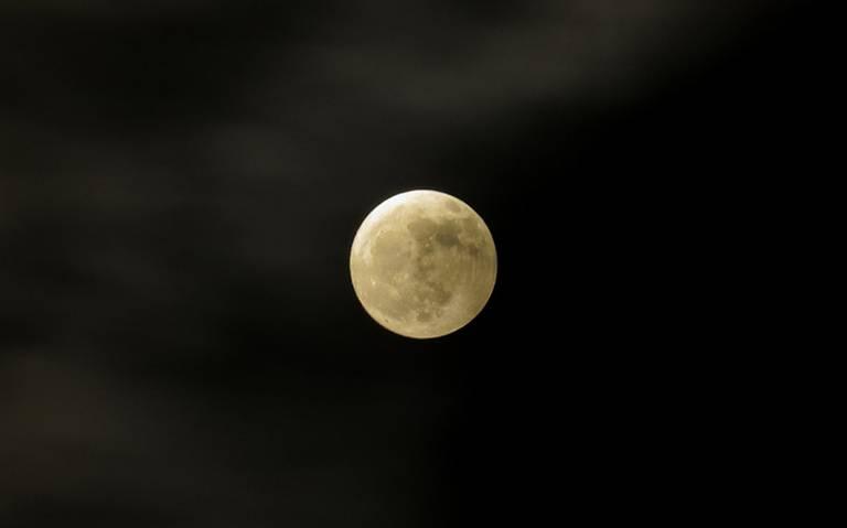¡Bella y brillante! Así luce la luna llena de hoy 24 de octubre