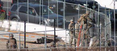 Refuerzan el muro ante llegada de caravana migrante