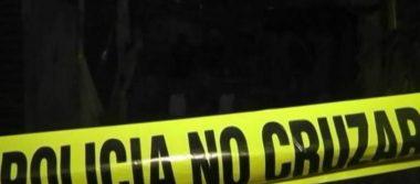 Hallan dos cuerpos calcinados dentro de microbús en Ecatepec