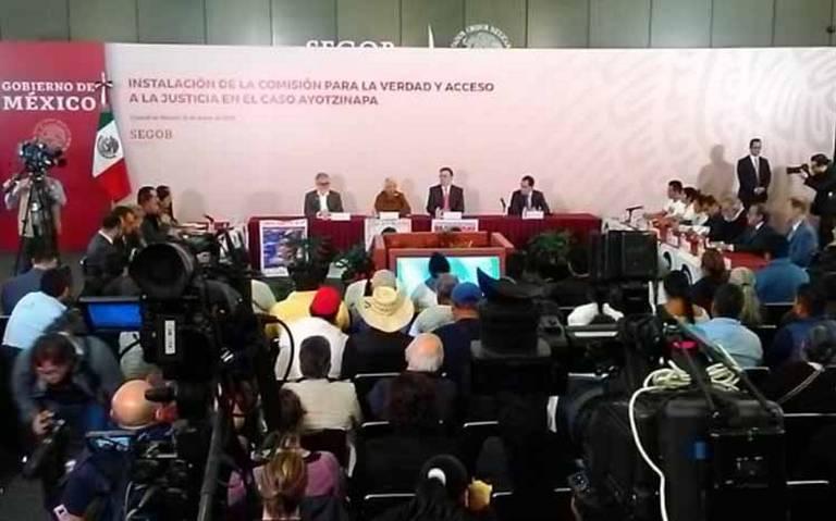 Instalan Comisión para la Verdad en el caso Ayotzinapa