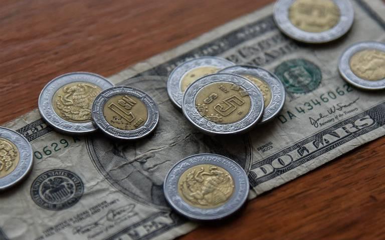 Peso toca su mejor nivel frente al dólar en 3 meses