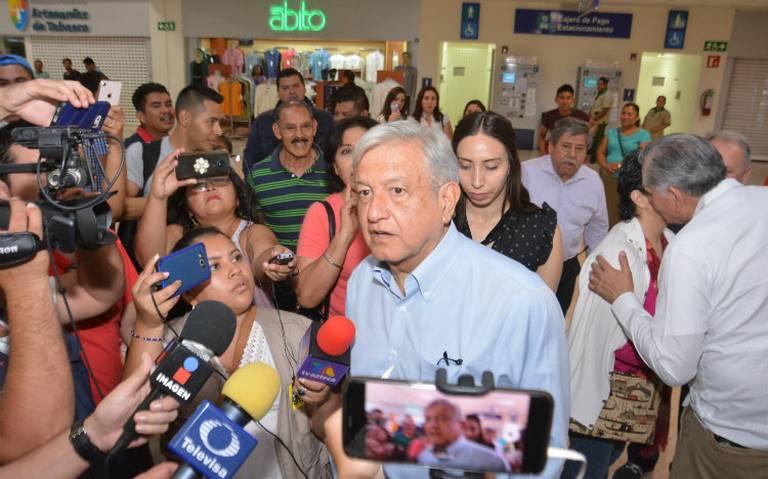 """AMLO califica de """"cobarde asesinato"""" ataque contra edil de Tlaxiaco"""