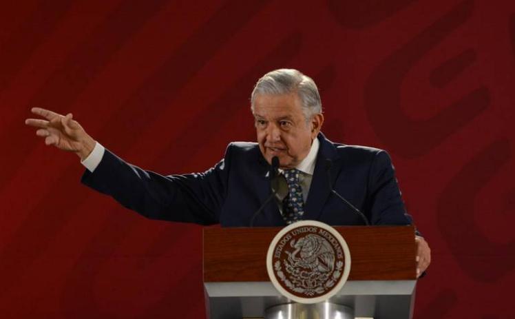 Bloqueos de la CNTE son responsabilidad del Gobierno de Michoacán: AMLO
