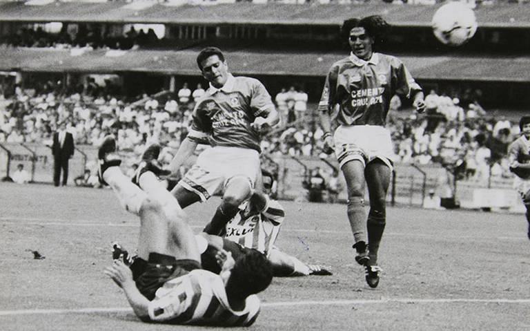Después de 23 años Cruz Azul y Chivas se enfrentan en el Azteca