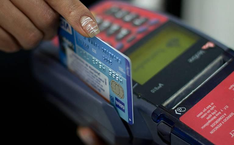 Diputados discutirán si adolescentes recibirán sus pagos en tarjetas bancarias