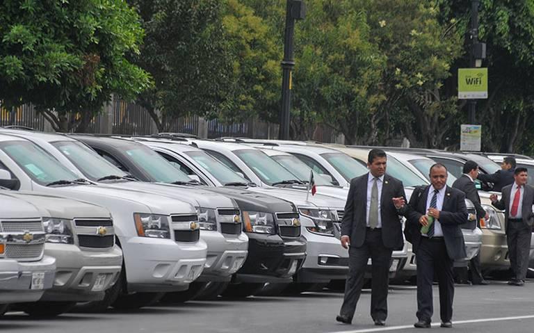 Habrá tianguis de vehículos y aviones del gobierno para financiar la Guardia Nacional