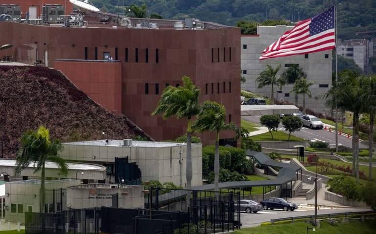 EU no tiene planes de cerrar embajada en Caracas pese a presión de Maduro