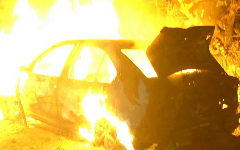 Calcinados en un automóvil, así hallaron dos cuerpos en Hidalgo
