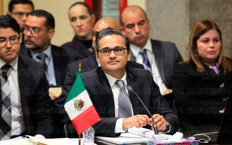 Aprueban juicio político contra Fiscal General, Jorge Winckler