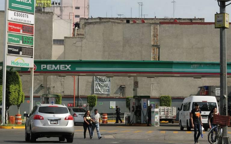 Reservas de gasolina en el centro del país rinden para dos días: SE
