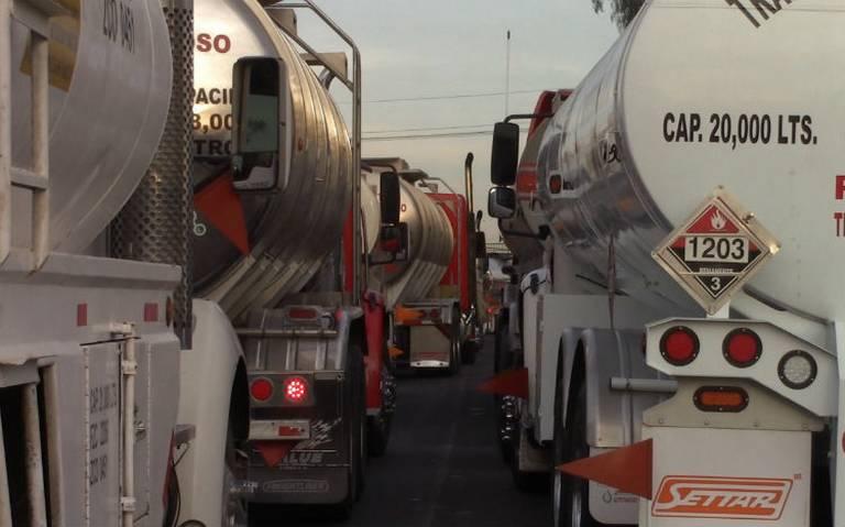 Acepta Pemex que Toluca se haga cargo del transporte de gasolina