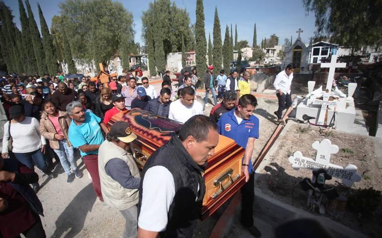 Dan el último adiós a víctimas de explosión en Tlahuelilpan