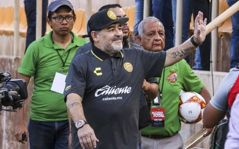 """""""Llegó el jefe"""", Maradona regresó a Sinaloa con los Dorados"""