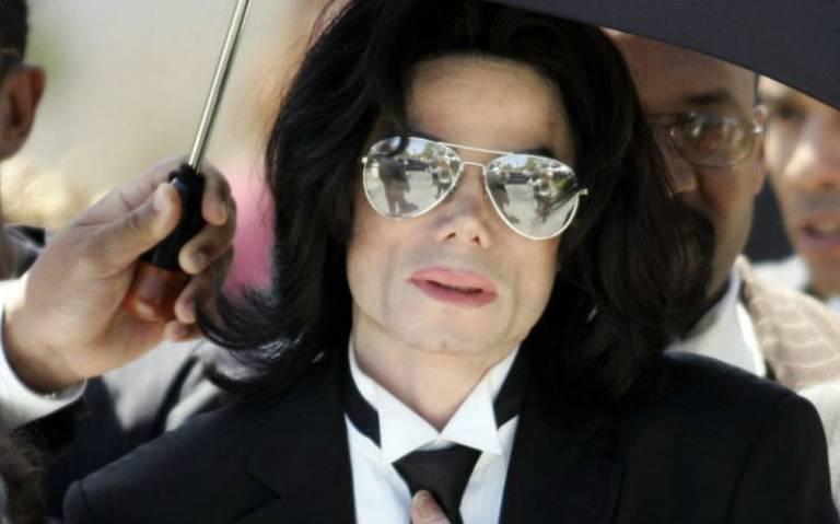 Familia de Michael Jackson sale en su defensa tras documental que lo acusa de pederasta