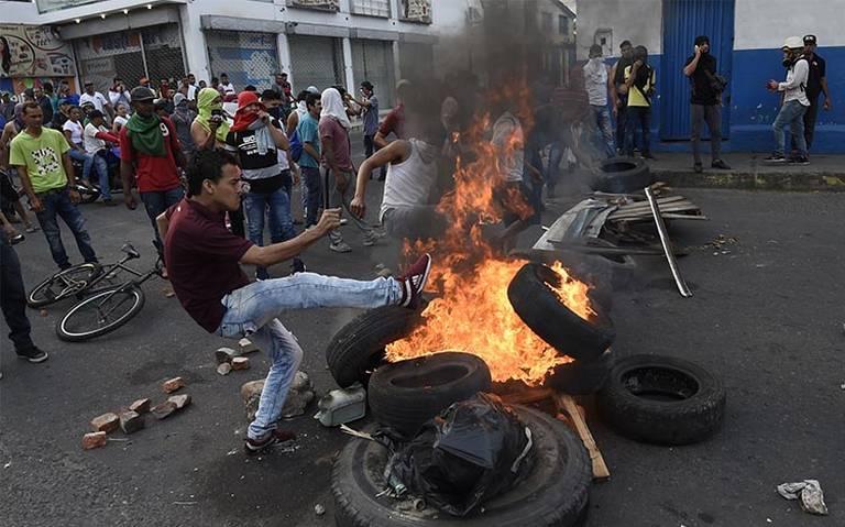 Enfrentamientos en la frontera de Venezuela-Colombia dejan heridos