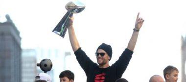 Patriotas desfilaron como campeones de la NFL