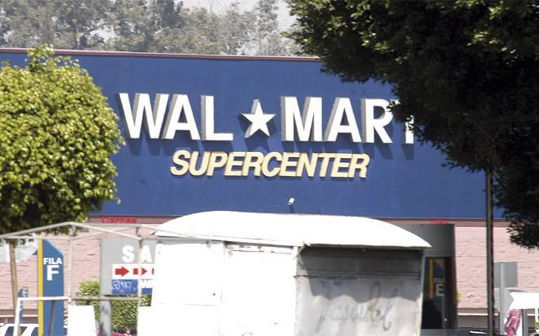 Por bajos salarios, trabajadores de Walmart amenazan con ir a huelga