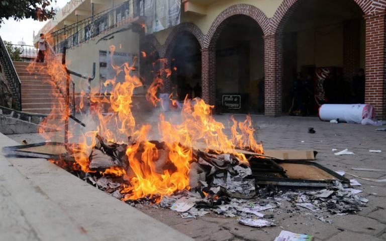 Gobierno califica de exitosa consulta de termoeléctrica pese a disturbios