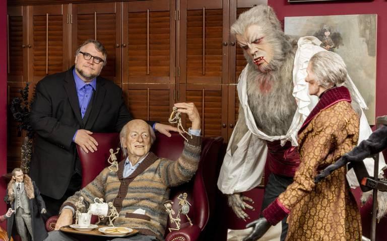 Por incendio posponen exposición de Guillermo del Toro