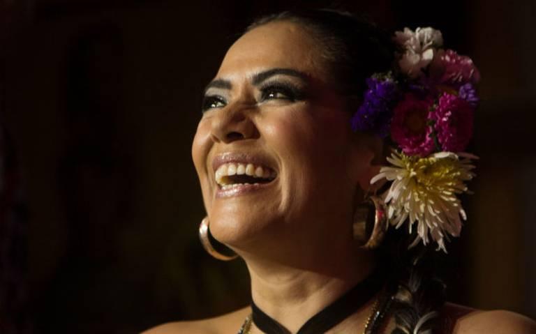 Lila Downs quiere trabajar con Yalitza Aparicio