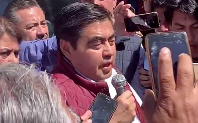 Miguel Barbosa se registra como precandidato a gubernatura de Puebla