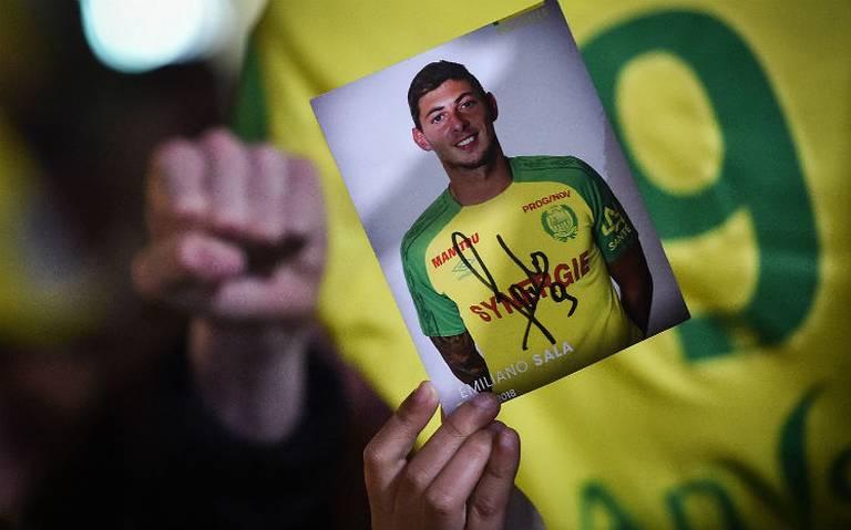 Intentan recuperar cuerpo hallado en avión de Emiliano Sala