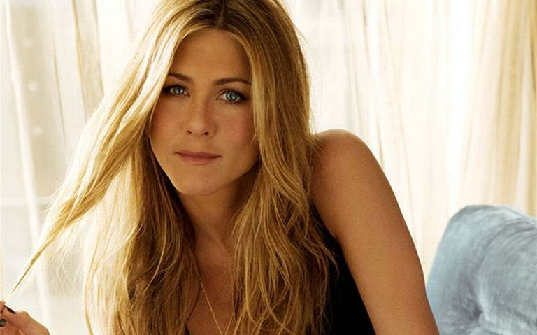 Jennifer Aniston celebra 50 años de vida y regresa a la tv