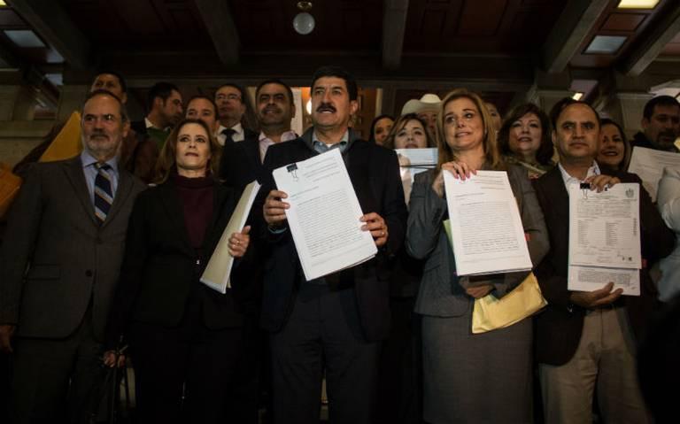 Surge #YosíQuieroContrapesos , colectivo de oposición encabezado por Javier Corral