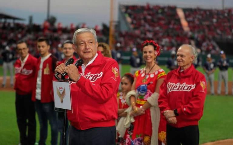 Vamos a seguir ponchando a la mafia del poder: AMLO inaugura el estadio de Diablos Rojos