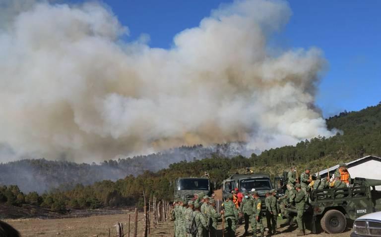 Se suman las tres órdenes de gobierno para combatir incendio en Las Vigas