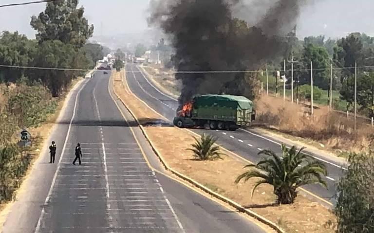 Otra vez bloqueos y quema de vehículos en Santa Rosa de Lima