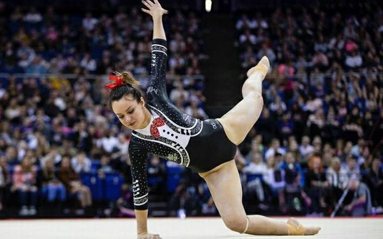Con música de coco y vestida de mariachi, gimnasta mexicana presenta rutina