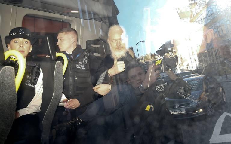 Assange, a la cárcel en espera de extradición