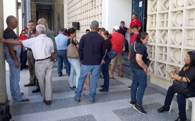 Empleados y académicos se van a huelga en la Universidad de Sonora